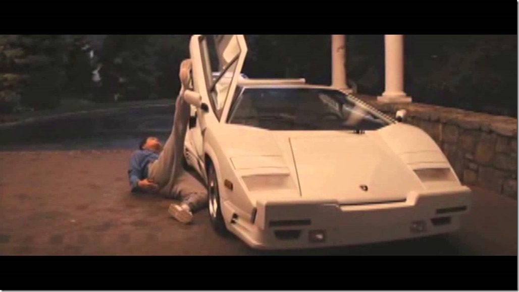 Di Caprio crawling to car - Wolf of Wall Street